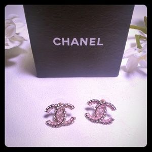 💕 Chanel Stud Earrings 💕